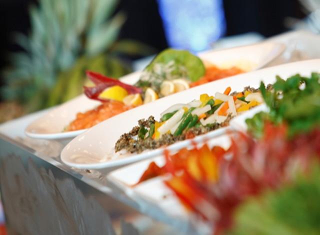 洋食ブッフェで最大500人の宴会が可能な銀座のランドマーク