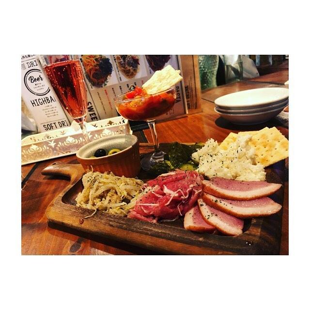 貸切部屋と個室がある渋谷のお店「ピザ&ワイン ESOLA」