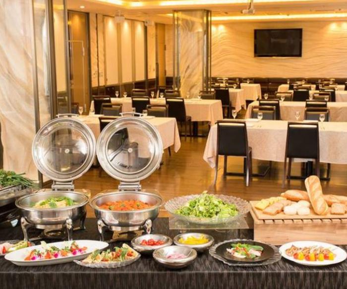 新宿最大級の規模のレストラン!大人数での宴会パーティーにぴったりな「クルーズ・クルーズ新宿店」