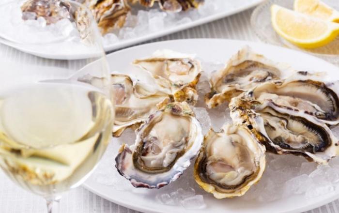 大人数での宴会パーティーで牡蠣とワインを食べ尽くせる?!新宿の繁盛店「アサドール デル マール」♪