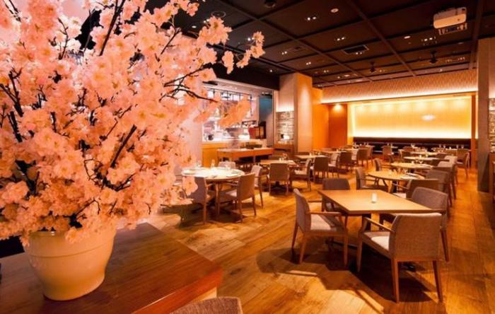 新宿で立食貸切パーティーならこのお店がイチオシです。|ザ サクラ ダイニング トウキョウ